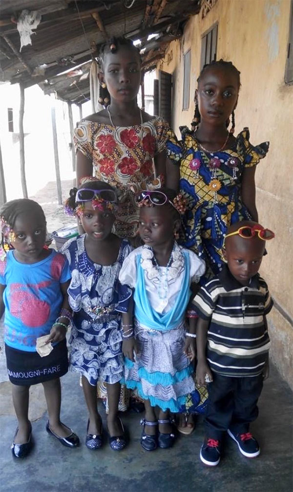 children-supported-by-ecoguinea-foundation